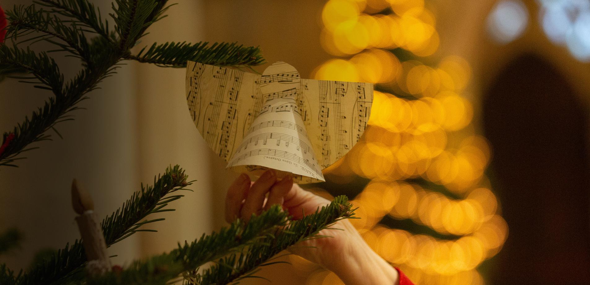 Christmas Tree Decorations craft workshop